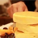 「紅鶴」のパンケーキが浅草で人気爆発!メニューや混雑状況はどう?